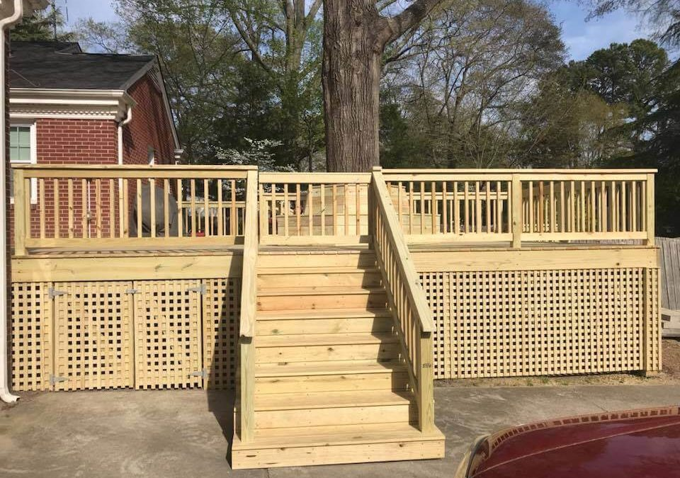 Choosing the Best Deck Railing Materials for Your Deck